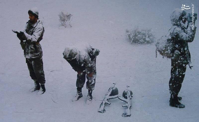 حرکت دو سرباز ایرانی همه را متعجب کرد+عکس