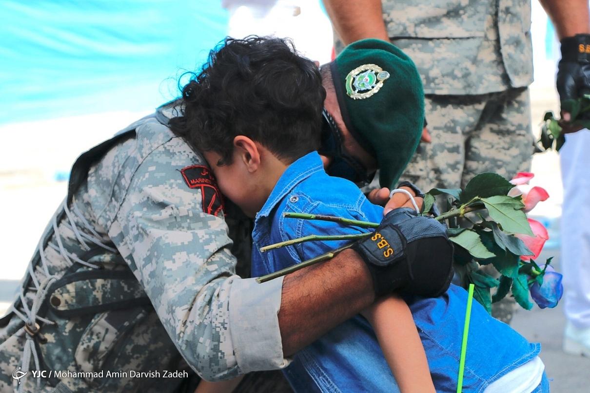 تصویر پدر و پسر ایرانی که اشک همه را در آورد+عکس