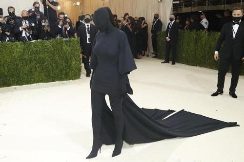 عجیب ترین لباس یک زن در جشن مد نیویورک+عکس