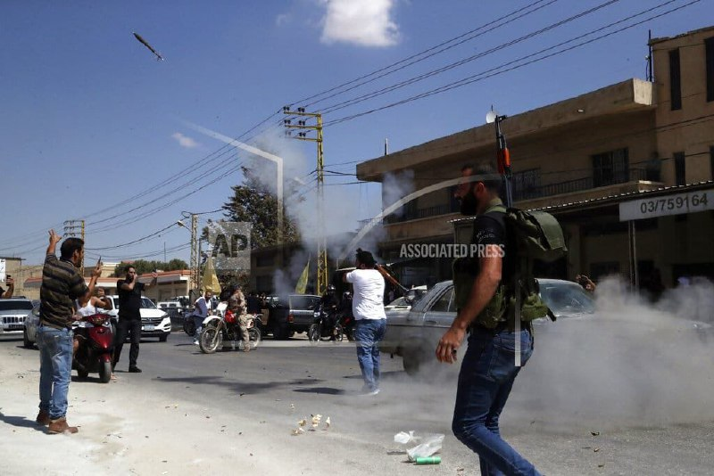 خوشحالی غیرعادی در لبنان برای ورود تانکرهای سوخت ایران+عکس