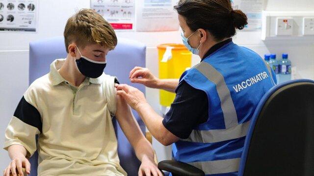کودکان زیر ۱۲ سال را هم باید در برابر کرونا واکسینه کرد