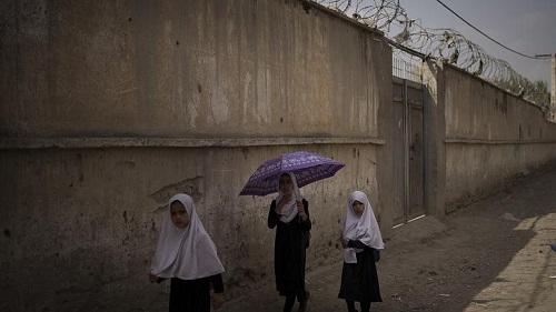 حرکت زشت طالبان در مقابل دختران افغانستان