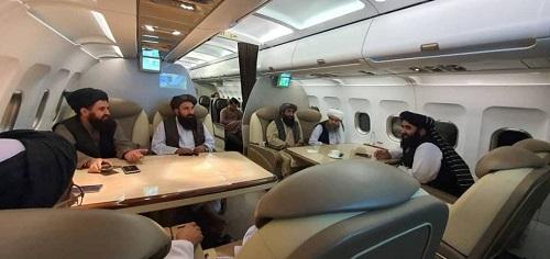 طالبان سوار هواپیمای وی آی پی+عکس