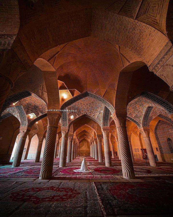 حال و هوای معنوی مسجد وکیل شیراز+عکس