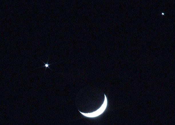 شبنشینی ماه با خواهر خوانده زمین در شامگاه فردا