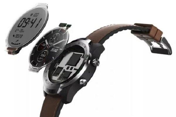 ساعت هوشمند با دو نمایشگر و ۳۰ روز عمر باتری