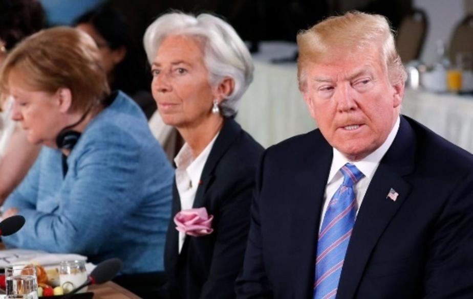 تمسخر ترامپ توسط زنان / تصاویر