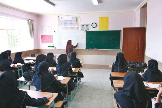 اجرای طرح کلاسهای ضمیمه کاردانش در دبیرستانهای شاهد از مهر امسال