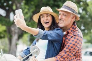ازدواج با مرد سن بالا چه خوبیهایی دارد؟