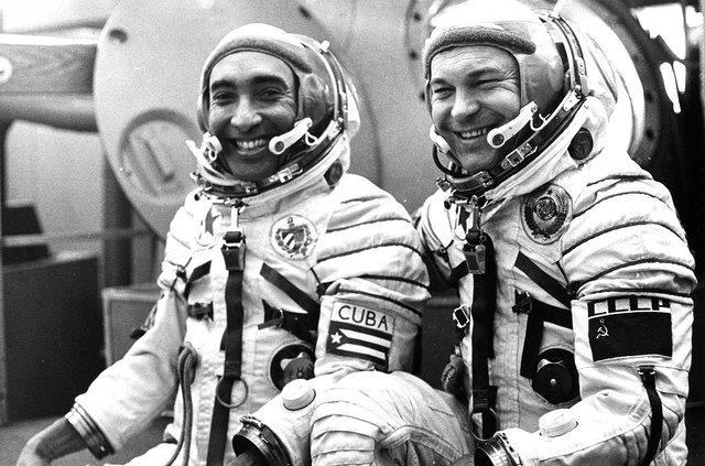نخستین سیاهپوستی که به فضا رفت