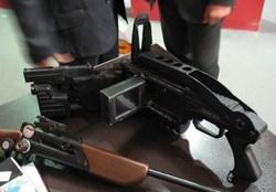 سلاح زاویه زن در دست سردار نجار +عکس