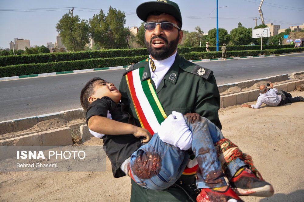 تصویری دیگر از کودک تیرخورده در حادثه تروریستی اهواز +عکس