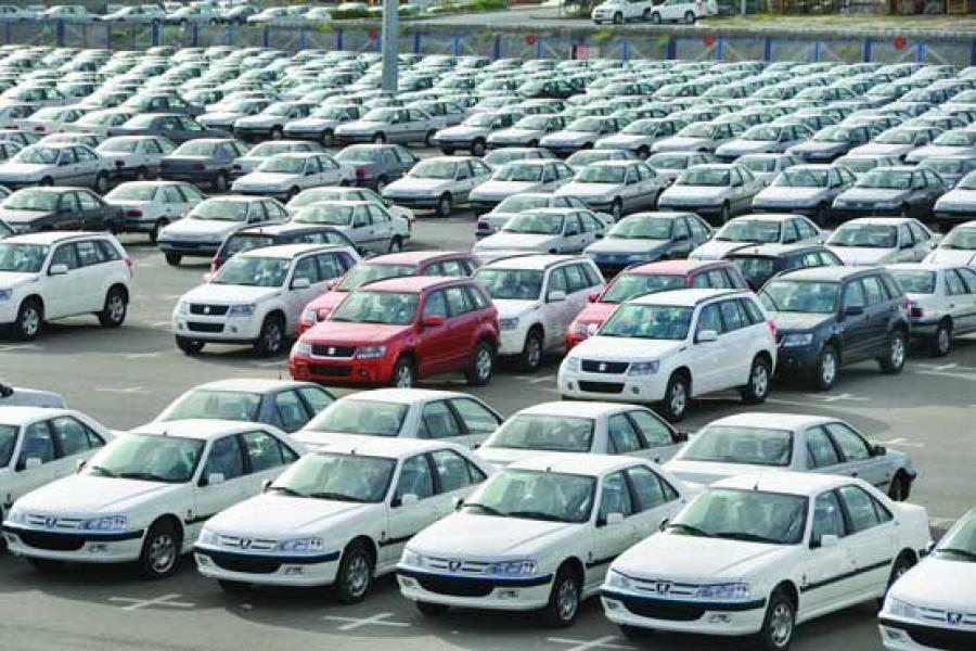 ریزش قیمت ها در بازار خودرو ادامه دارد