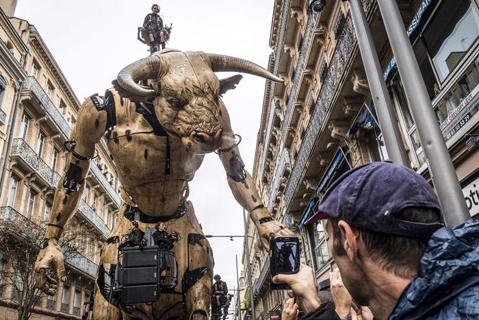 نمایش ربات های غول پیکر در تولوز فرانسه