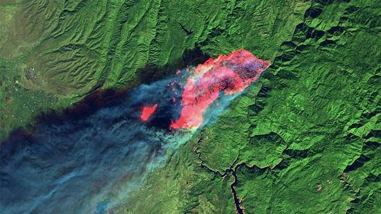 تصویر ماهوارهای از آثار آتش بر جنگلهای آمریکا