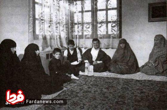 عکس: مرحوم آیت الله هاشمی در یک دورهمی خانوادگی