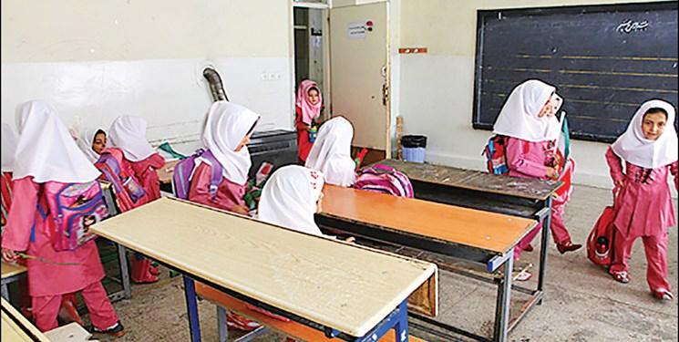 دانشآموزان به مدرسه نرفتند مدارس نیمه تعطیل شد