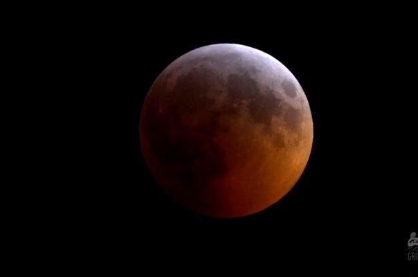 ناسا نمونههای ۵۰ ساله خاک ماه را بررسی میکند