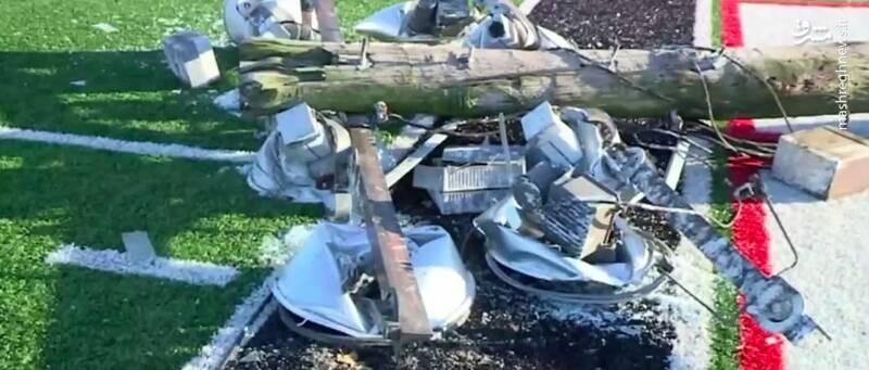سقوط پروژکتور ورزشگاه حین بازی +عکس