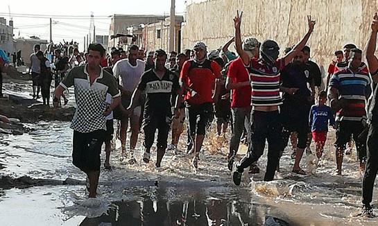 شادی مردم عین دو اهواز بعد از بستن سیل بند +عکس