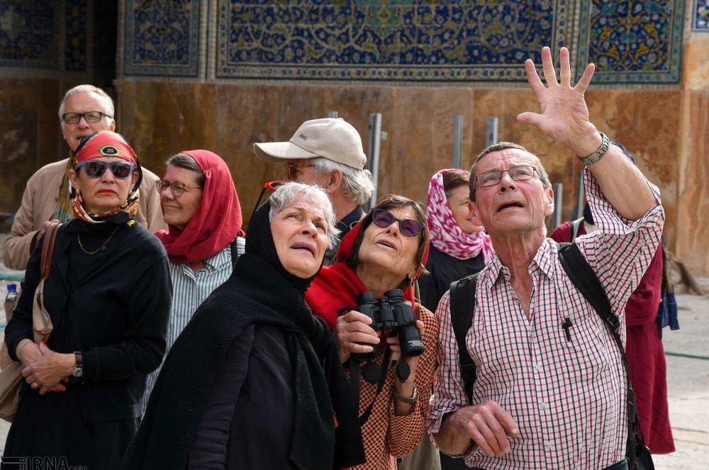 خوشگذرانی گردشگران خارجی در اصفهان +عکس