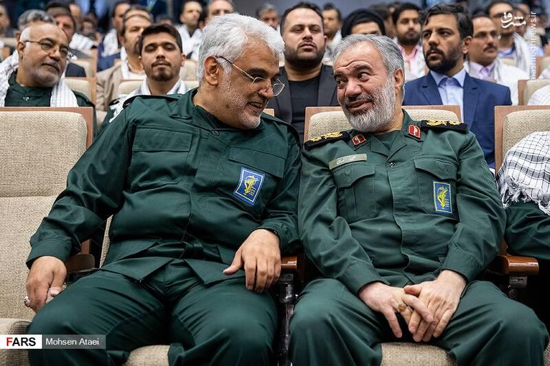 رئیس دانشگاه آزاد لباس سپاه پوشید +عکس