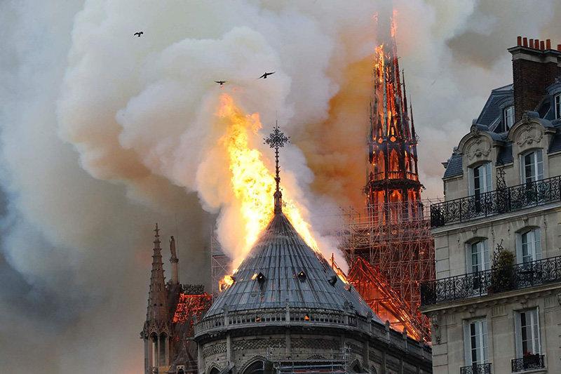 وضعیت کلیسای نوتردام قبل و بعد از آتش سوزی +عکس