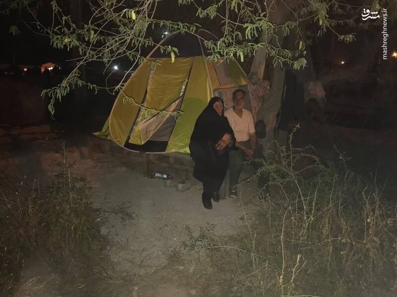 همدردی خاص یک سردار سپاه با سیل زدگان +عکس