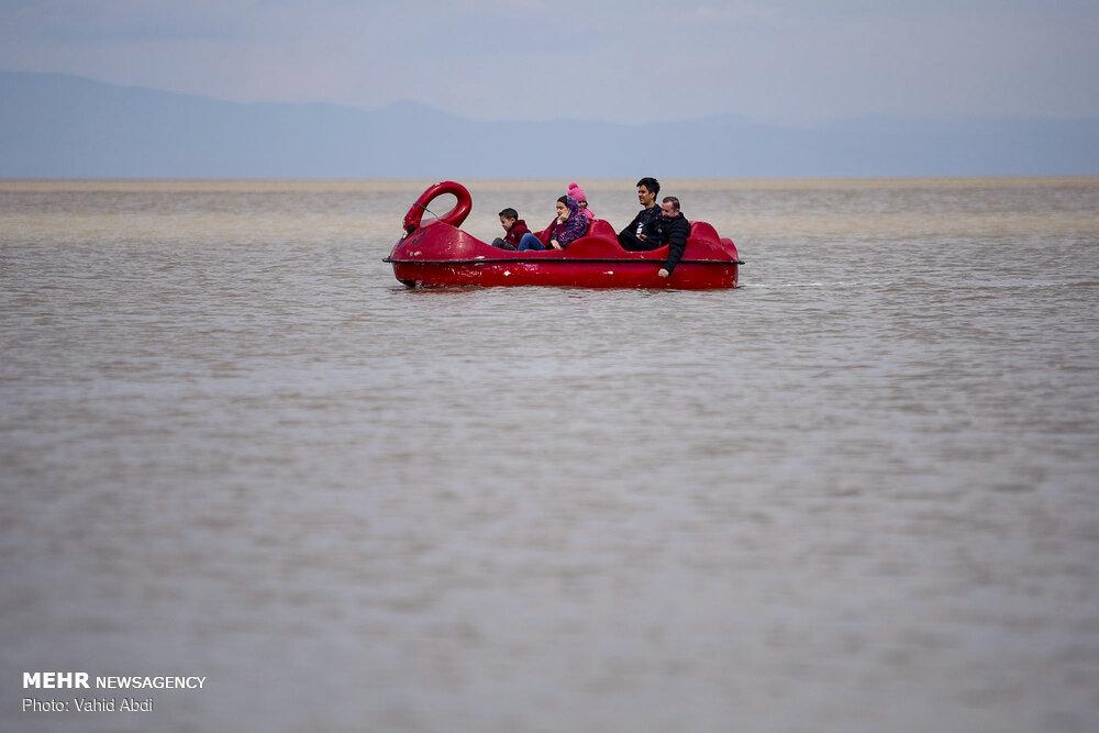 دریاچه ارومیه از بحران خارج شد و سیراب شد +عکس