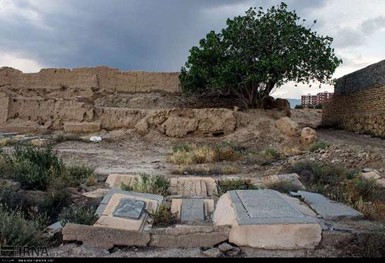 فرونشست زمین در قبرستان قدیمی سمنان +عکس