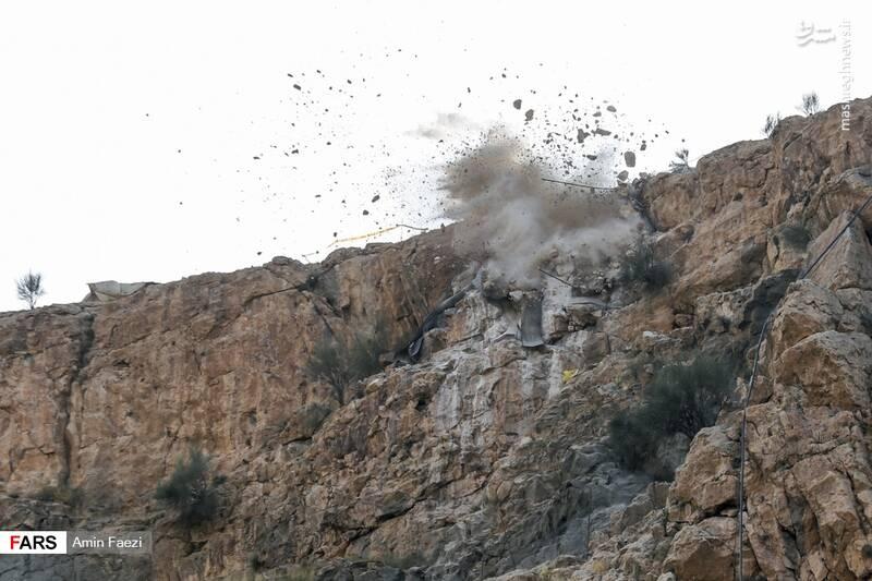 انفجار بر فراز دروازه قرآن شیراز +عکس