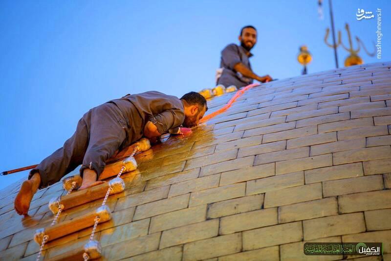 بوسه به گنبد مطهر حضرت اباالفضل (ع) + عکس