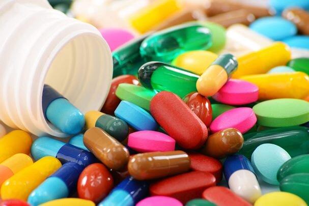 بینیازی از واردات دارو نزدیک است/ ورود ۱۰۰ قلم داروی جدید به بازار