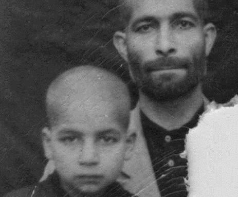 تصویر دیده نشده از کودکی حسن روحانی در کنار پدرش +عکس