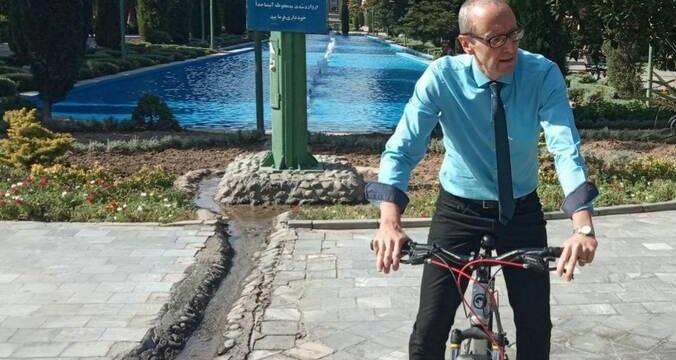 دوچرخهسواری سفیر اتریش در پارک شهر تهران +عکس