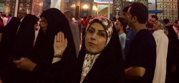 خانم خبرنگار در حرم امام حسین(ع) +عکس