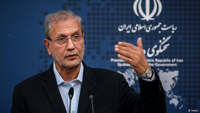 ورود زنان به استادیوم گزینشی نیست/اتهامزنی به ایران در موضوع آرامکو، عجولانه بود