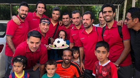 عادل فردوسی پور بُردتیمش  و تولدش را جشن گرفت +عکس