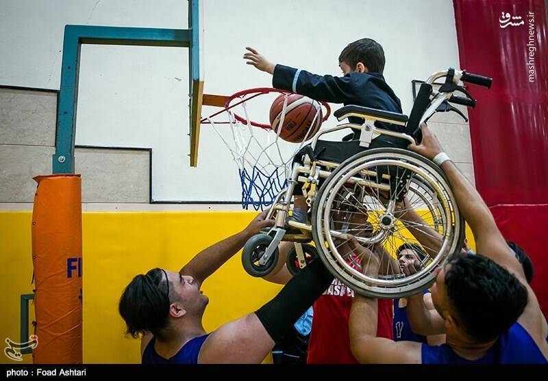 جشن کودکان ویلچرنشین با تیم ملی بسکتبال +عکس