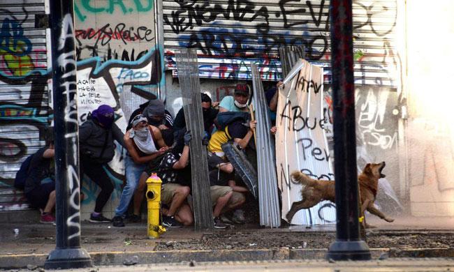 تصویری جالب از اعتراضات شیلی +عکس