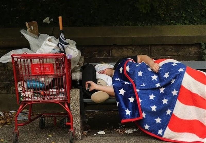 ۳۸ میلیون آمریکایی با فقر دست و پنجه نرم میکنند! +عکس