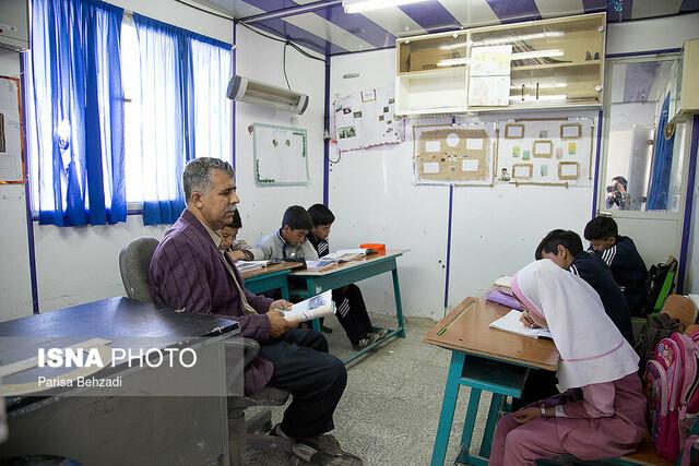 زنگ هشدار ضعف فراگیری و بکارگیری زبان فارسی در مناطق دو زبانه