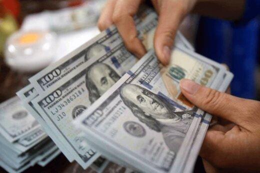 دلار چه زمانی تا مرز ۱۰ هزار تومان عقب نشینی می کند؟