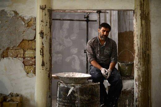 محسن تنابنده در نقش قاتل عنکبوتی در کنار ساره بیات +عکس
