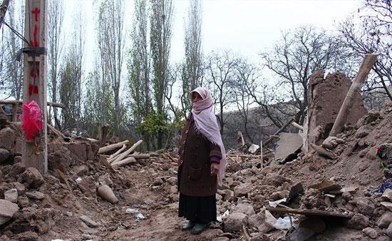 زندگی دشوار زلزله زدگان در برف و سرما +عکس