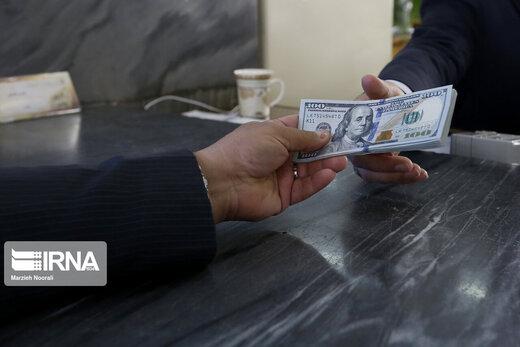 شایعهسازان قیمت دلار را بالا بردند+جزئیات