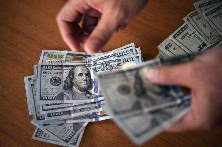 دلار از مرز مقاومتی عقب رفت +جزئیات