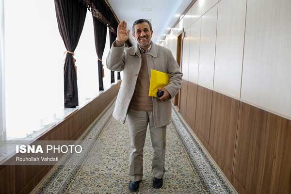 احمدی نژاد به شایعات پایان داد +عکس