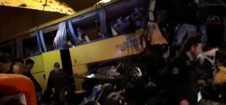 واژگونی مرگبار اتوبوس در ساوه +عکس