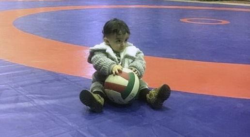 نوزاد محمد بنا در اردوی تیم ملی کشتی +عکس